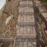 treppenanlage vorgarten aus pflastersteinen