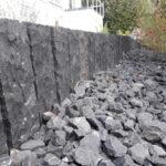 palisaden-Stuetzmauer basalt-palisaden