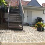pflasterflaeche_weg_basaltpflaster_naturstein_befestigung