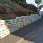 Trockenmauer aus Anröchter Dolomit