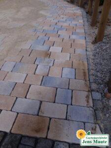 Herstellen einer Carport-Zufahrt mit Pflastersteinen