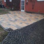 Herstellen einer Terrassenfläche mit Pflastersteinen