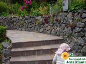 treppe im Garten legstufen