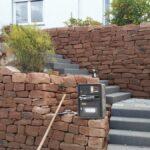Mauerbau und Treppenanlage Sandstein