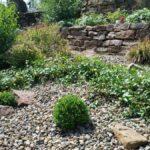Sandstein-Trockenmauer Hang-Terrassierung Pflanzfläche