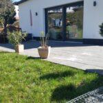 Terrasse und Gabionenmauer-nachher